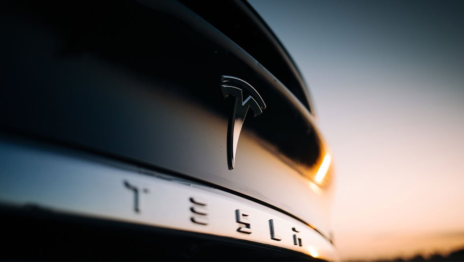 Dow Jones Index rises as the battle to verify stimuli continues;  Tesla jumps in the bullish comments