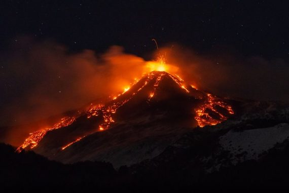 Amazing new video captures the moment of the recent eruption of Mount Etna