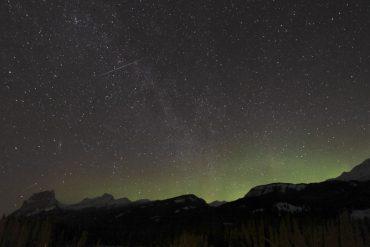 Here's how to watch tonight's stunning quadruple meteor shower