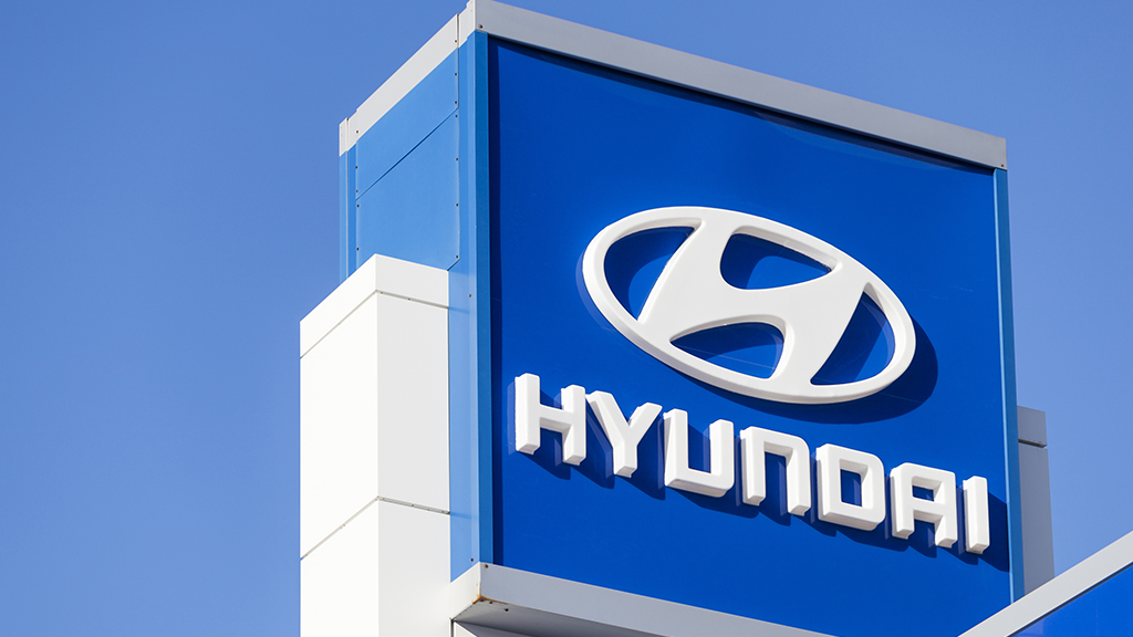 Hyundai recalls another 471,000 SUVs, and asks owners to park outside